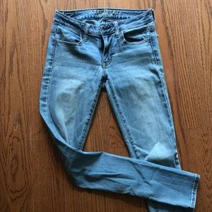 American Eagle stretchy light blue jeans size 2